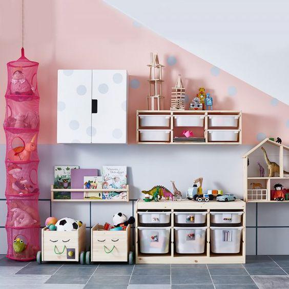 Rangements pratiques pour une chambre d'enfant