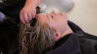 Soin des cheveux : comment bien choisir son shampoing ?