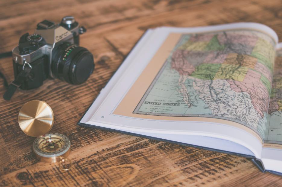 Carte et appareil photo voyage